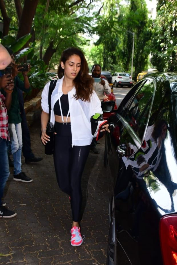 Mira Rajput And Shahid Kapoor Spotted Heading To Gym In Mumbai