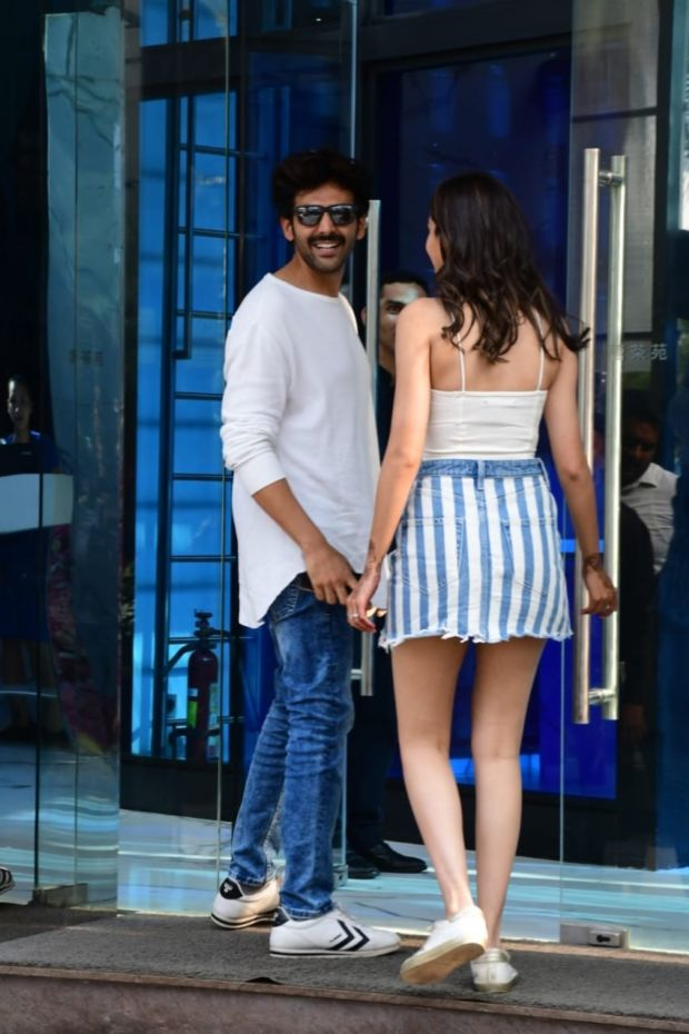 Ananya Panday And Kartik Aaryan Spotted Together At Yauatcha in Mumbai