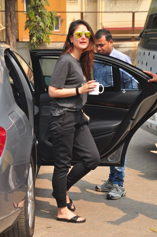 Kareena Kapoor Khan Arrives For An Ad Shoot In The City