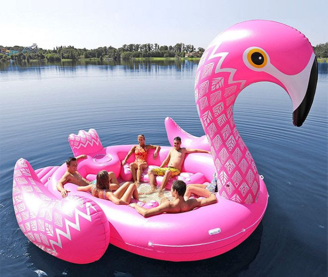 Giant Unicorn Floats To Make Your Summer Party Awesome