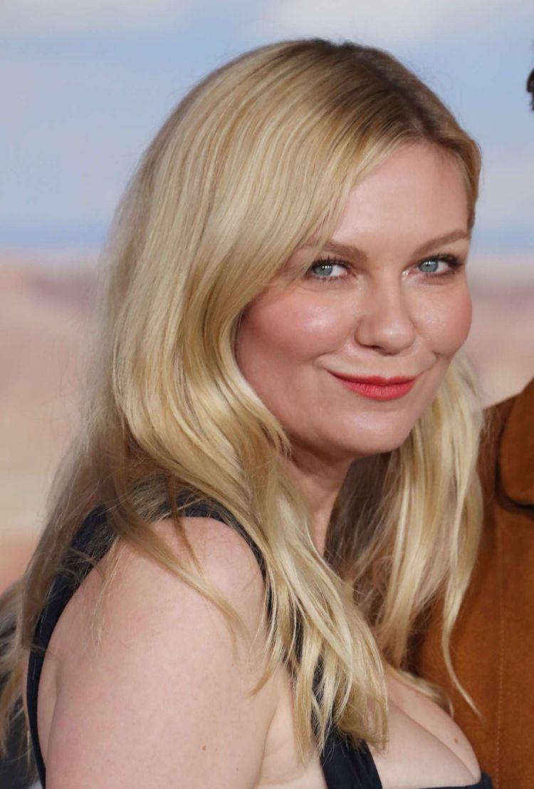 Kirsten Dunst Attends The Premiere Of 'El Camino: A Breaking Bad Movie'